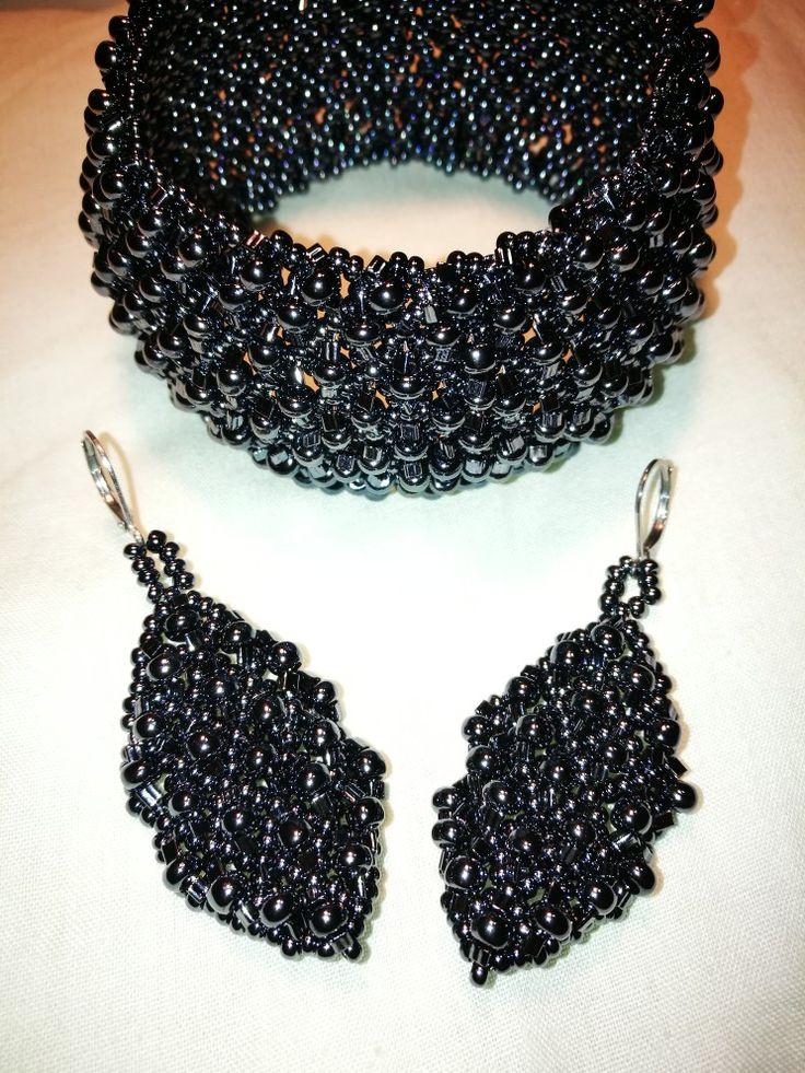 Jewelry set: bracelet and earrings made of preciosa and toho beads made by Manufaktura Leo