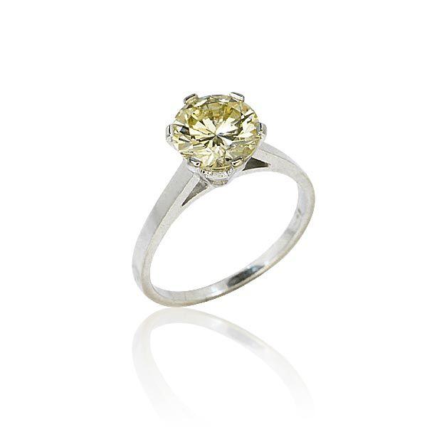 Vintage Schmuck Da schlägt nicht nur Ihr Herz schneller  Strahlend und schön wirken Sie mit diesem atemberaubenden Symbol für Geschmack. Solitär Brillantring mit gelbem 2,480ct Diamanten in Weissgold http://schmuck-boerse.com/ring/14/detail.htm  #ring #schmuckboerse #verlobungsringe #verlobungsring #solitär @schmuck #diamondring #diamantring