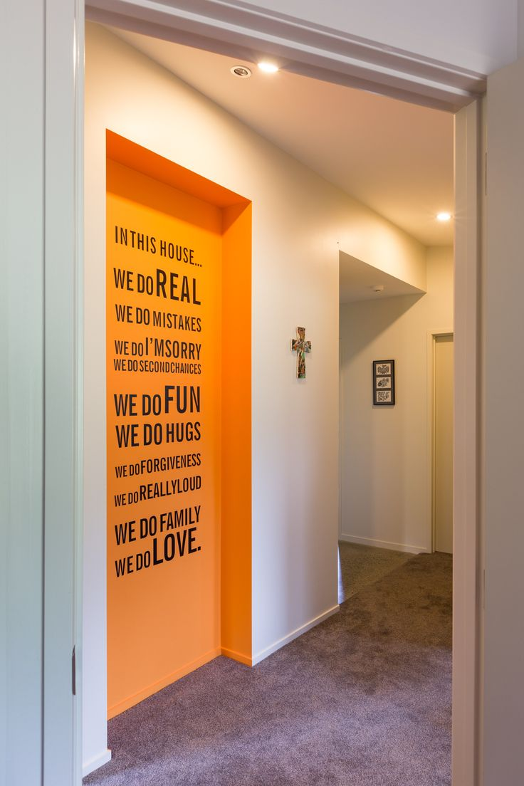 great use of an indented wall with a family statement