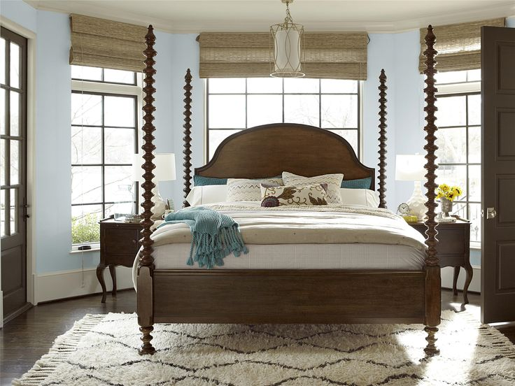 Universal Furniture Cordevalle Santa Rosa Poster Bed King