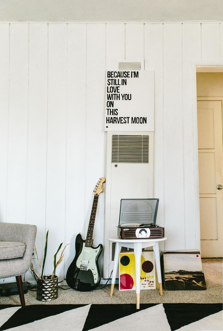 Express yourself #FenderOffsets   #Guitar #Fender #FenderDuoSonic #FenderMustang #Guitars #Music #Musician #NeilYoung #Records