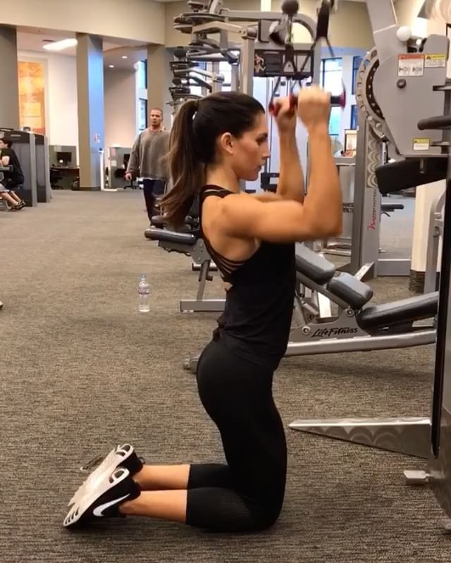 "7,752 Likes, 103 Comments - Alexia Clark (@alexia_clark) on Instagram: ""Cable Work!  1. 15 reps each side  2. 15 reps each  3. 12 reps each side  4. 15 reps each side  5.…"""
