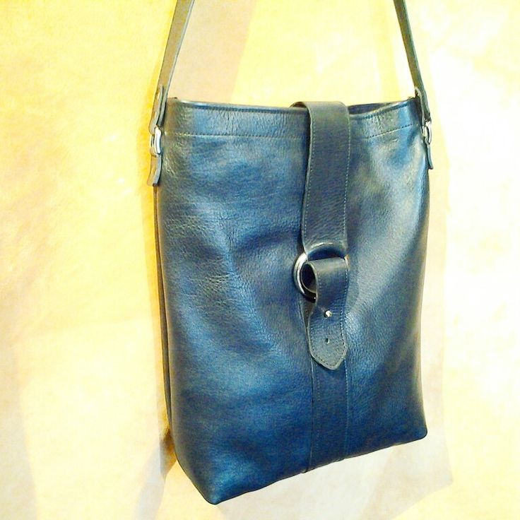 Leather bag made in Venice by IL MERCANTE VENEZIANO