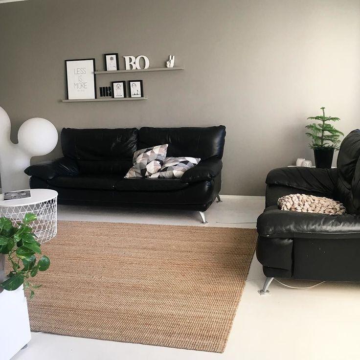 Day off  Siivouspäivän höysteeksi vähän uutta järjestystä olohuoneeseen.  #myhome #home #homeinspo #homeinterior #instahome #instainterior #interiordesign #interiors #interior #ikea #livingroom #livingroomdecor #livingrooms #inredning #sisustus #sisustusinspiraatio #uusijärjestys #koti #nordichome #scandinavianhome