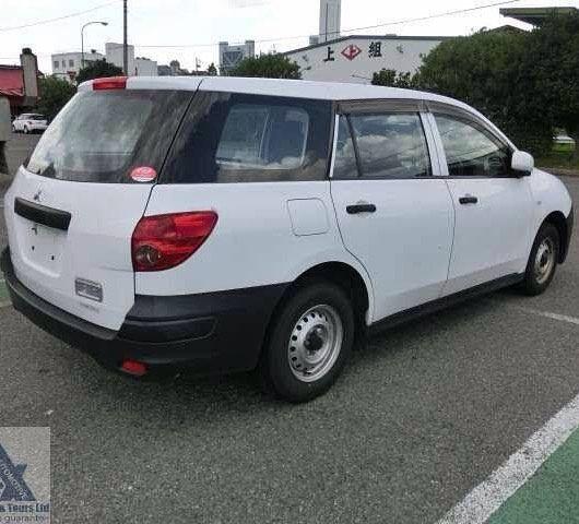 MITSUBISHI LANCER  2011  RHD Petrol 136000km AT 2WD 5door 2/5seats 1500CC $1100000 Give us a call 926-0938 or 426-3883