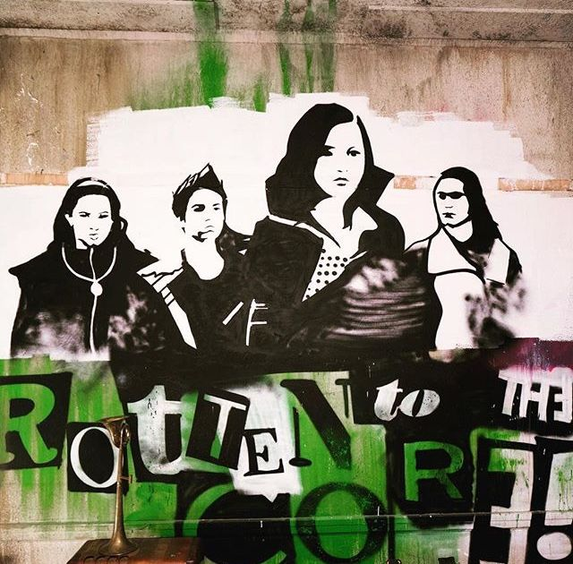 Mal, Evie, Jay and Carlos grafitti from descendants