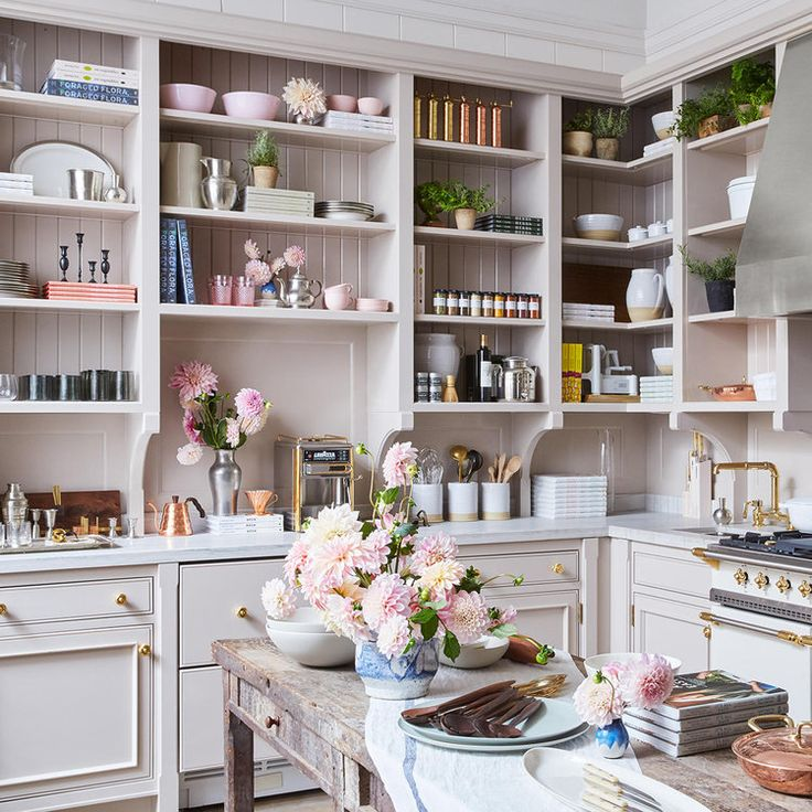 Lusitano1143 is thrilled to have partnered with GOOP to present handcrafted pieces at GOOP LAB in Santa Monica and GOOP MRKT in the Hamptons. Goop Lab Photo by Jessica Sample