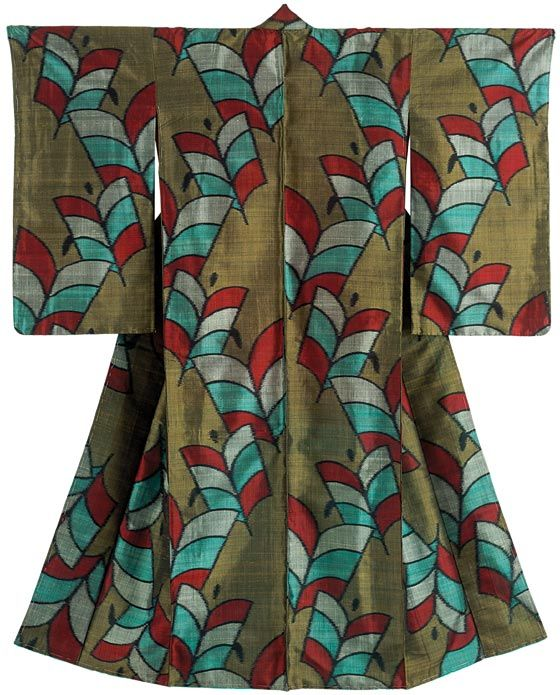 Kimono for a woman,Japan,Taisho period (1912-26) Hand-spun silk (tsumugi) woven with stencil-print weft threads. V&A Museum (London) Montgomery Collection (copyright) from pinterest ~~~AmyLH~~~