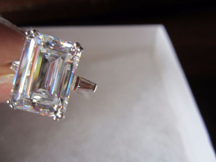 Emerald-Cut 9 Carat Wedding Engagement Ring Clear CZ Sterling Silver New Size 10 #WeddingRing #SolitairewithAccents