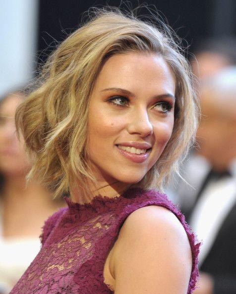 Wish I could go shortShort Hair, Scarlett Johansson, Shorts Hair, Bobs Hairstyles, Beautiful, Bob Hairstyles, Scarlettjohansson, Hair Style, Shorts Wavy