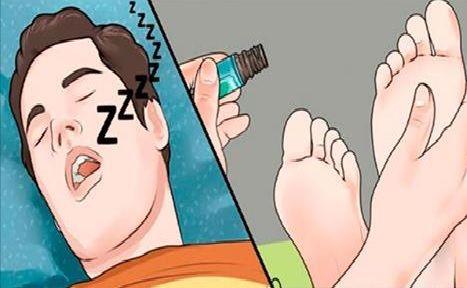 Muchas personas tienen problemas para dormir no logran que les de sueño a la hora que les gustaría, ...