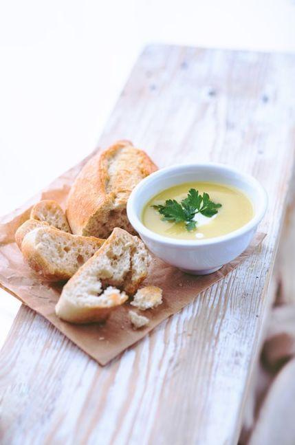 Aprenda a fazer uma sopa de legumes especial, com essa receita da Carol Magalhães.