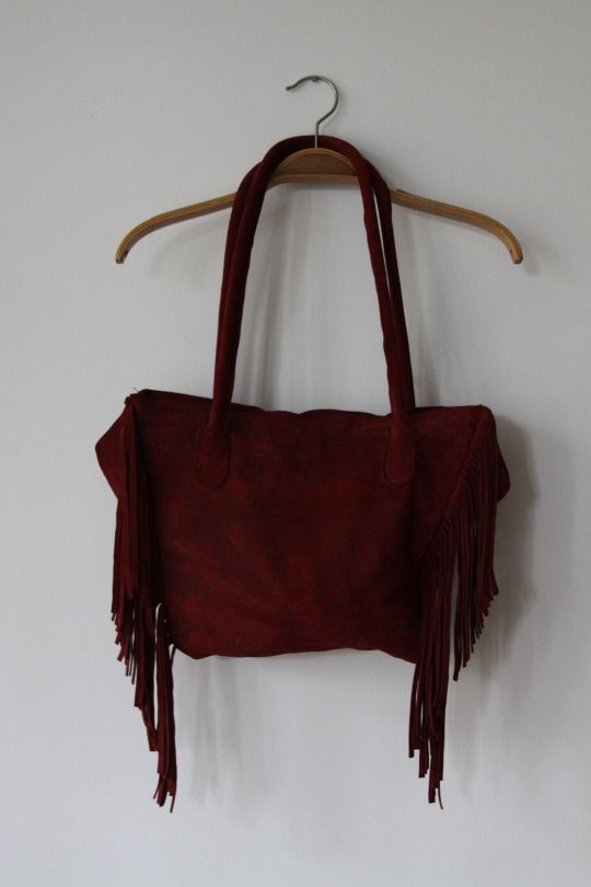 Red leather boho bag with fringes in flower print
