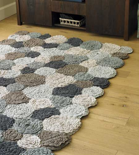crochet flower rug (just picture, no pattern)