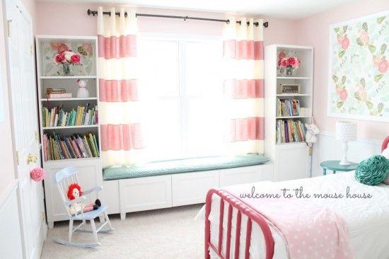 BESTA Window Seat for Little Girl Room Read more at http://www.ikeahackers.net/2014/01/besta-window-seat-for-little-girl-room-3.html#ZpBJvdj5Iyh870cF.99