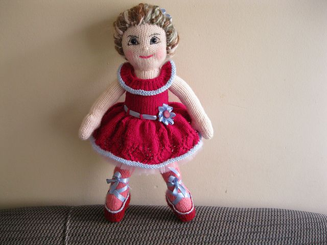 Ballerina Girl KAL- ballerina by AusJen- pattern by Irishmagda for prawelewe {www.prawelewe.pl}
