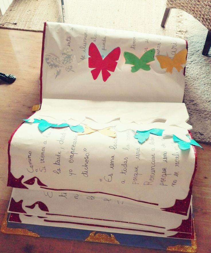 Libro gigante papel
