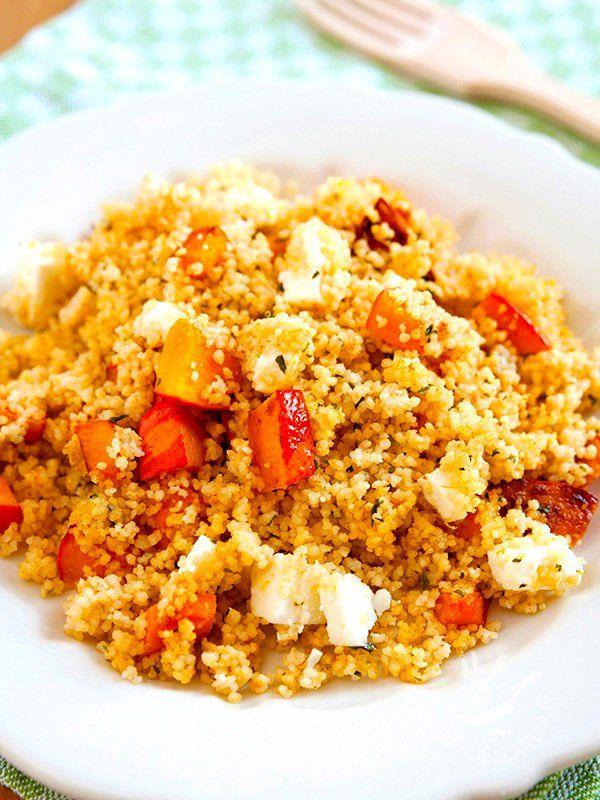 Couscous pumpkin and ricotta - Il Couscous con zucca e ricotta stagionata è un piatto unico della tradizione nordafricana, rivisitato in chiave leggera. #couscouszucca