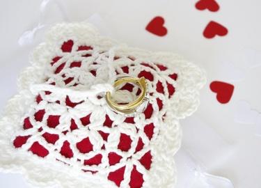 Porte alliance blanc rouge dentelle