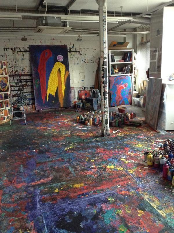 estúdio de arte … Quero ser livre para pintar por todo o chão e não me importo!   – Life