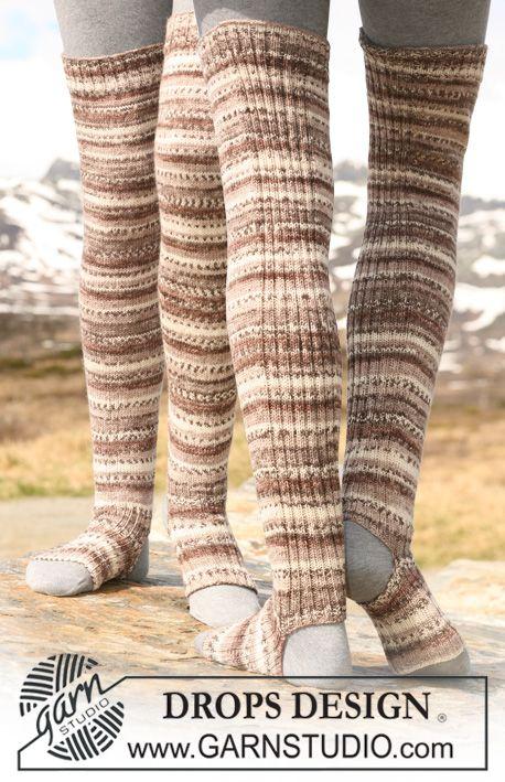 "DROPS yoga socks/leg warmers in ""Fabel"". ~ DROPS Design"