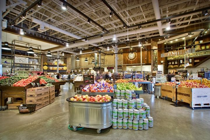 """The design for Fresh St. Farms by retail design firm King Retail Solutions (""""KRS"""") purposely avoids perfection in order to complement the store's local, fresh, affordable food offering for urban shoppers"""