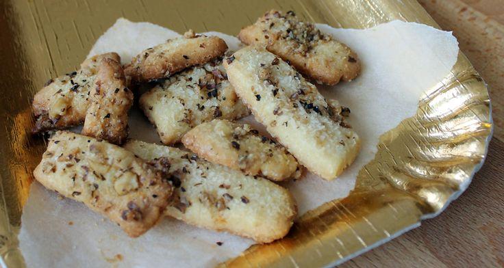 Biscotti al cocco e noci caramellate | Inventaricette, In cucina con Maria