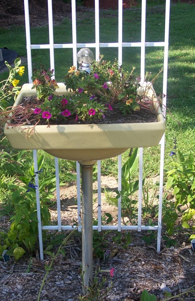 39 best images about unusual flower plant container on - Unusual planters for outdoors ...