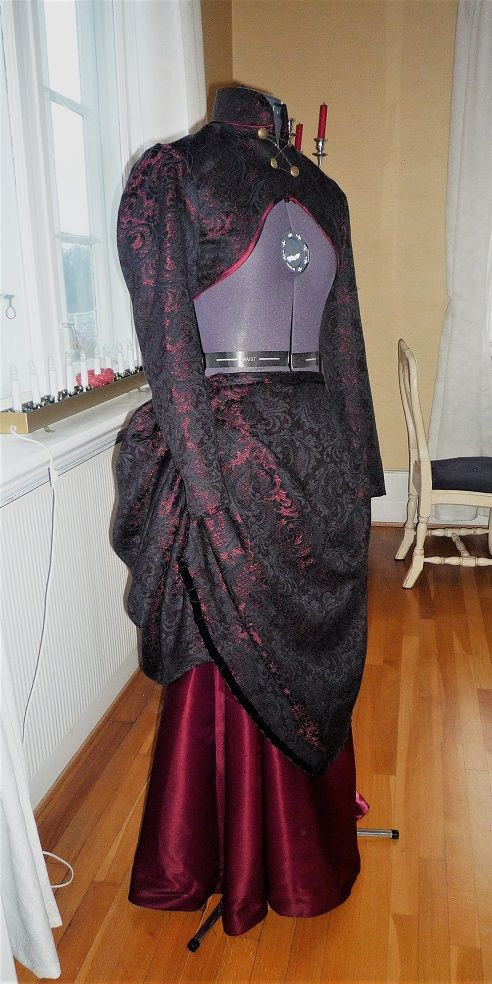 Steampunk / gothic outfit by Kara's Creations