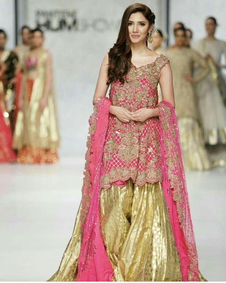 Pin By Alexia On My Gallery Mahira Khan Dresses Pakistani