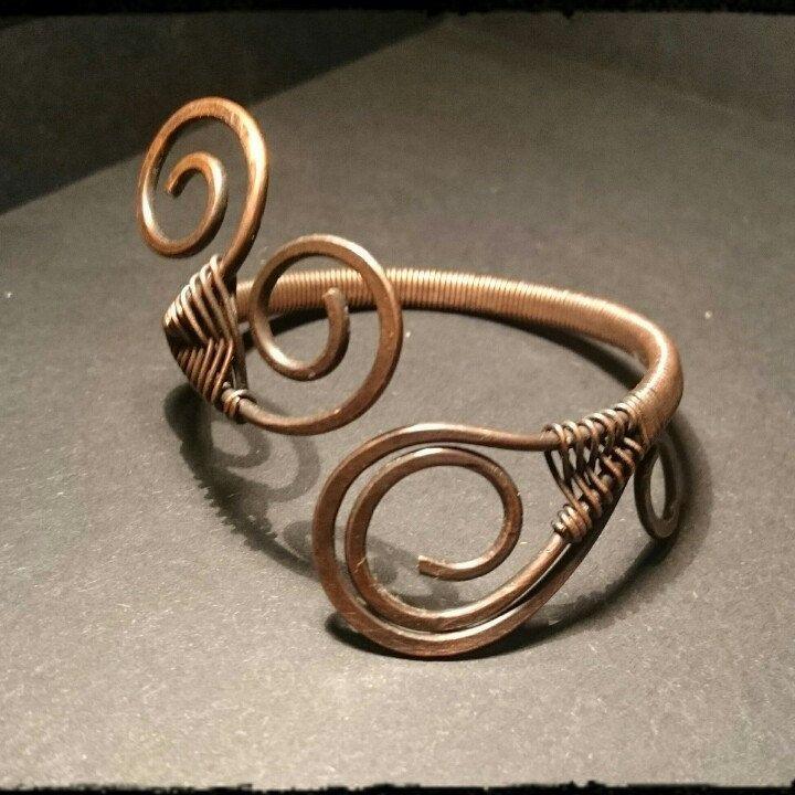 Handmade bracciale in rame anticato e martellato. Tecnica Wire. Unico. Regolabile.