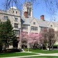 College Search Tips: 5 Advantages of Big and Small Colleges