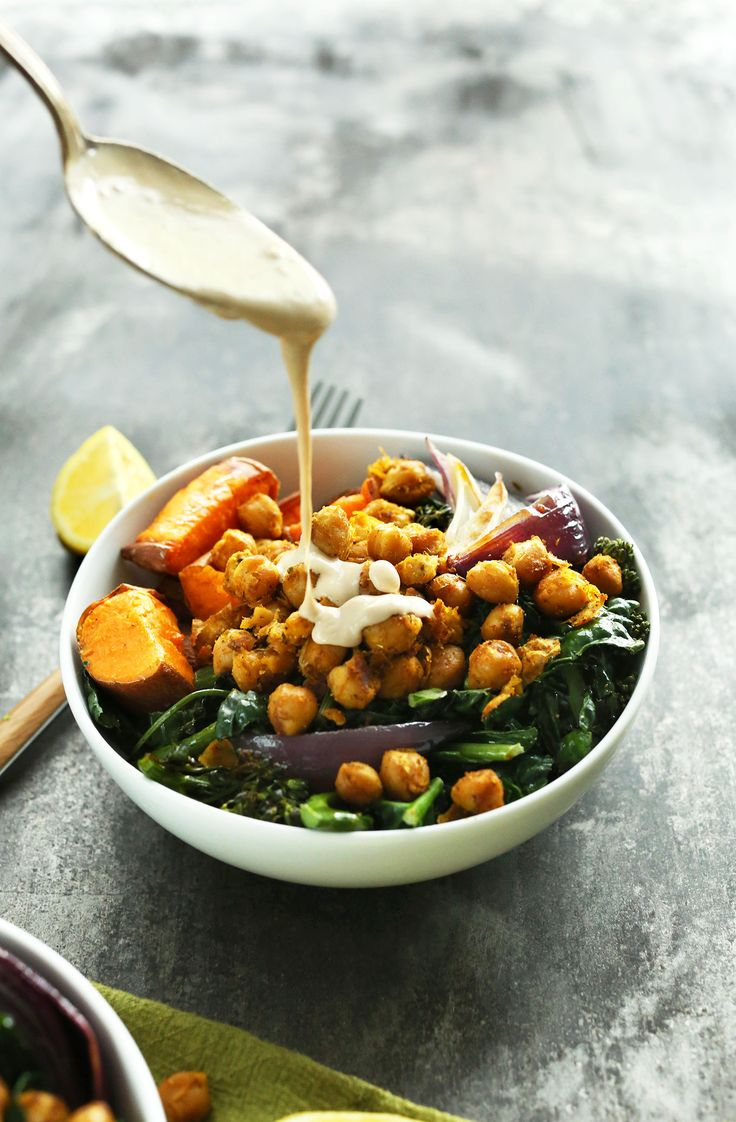 Sweet Potato Chickpea Buddha Bowl with Kale, Red Onion and a STUNNING Tahini-maple sauce! #vegan #glutenfree #healthy