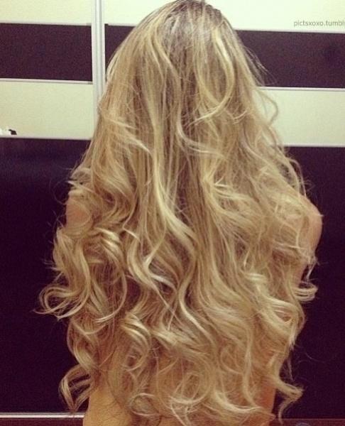messy blonde curls