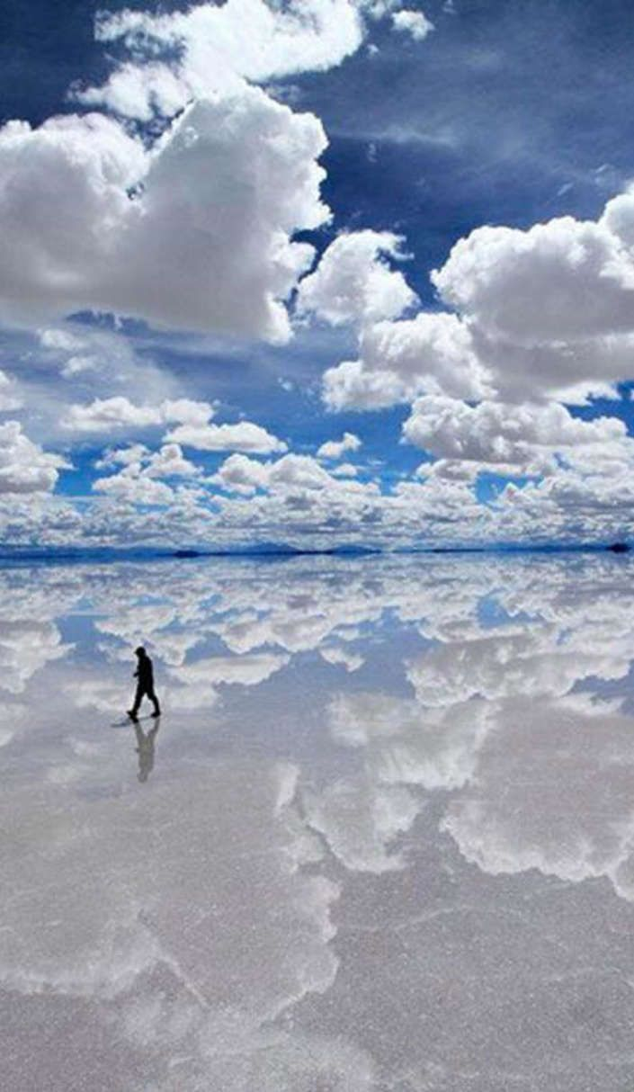 Visit the largest mirror in the world: the Bolivia Salt Flats | Roadtrippers