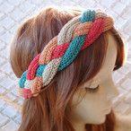夏糸、夏色の新色で編み、編みこみをしたヘアバンドです。伸縮性があり、ゆったりとフィットいたします。花かんむりのようなヘアバンドが編みたくて製作した作品です。●カラー:生成り・オレンジ・緑・赤●サイズ:輪の内側寸法 56cm●素材:綿52% アクリル48%●注意事項:あたたかい気持ちをもって、ひと編みひと編み編んでいます。喜んでいただけるよう、創意工夫しながら、また丁寧に製作することを心がけております。気になる点がございましたら、お気軽にお問い合わせください。既製品にはない手作り感を楽しんでいただけたら大変嬉しく思います。よろしくお願いいたします。●作家名:MAKIKoおしゃれ/人気/大人かわいい/カジュアル/ナチュラル/オシャレ/ファッション/可愛い/かわいい/シンプル/手編み/レディース/キュート/ヘアアレンジ/カチューシャ/ターバン/ ヘッドアクセ/ヒッピー/エスニック【配送】ゆうパック(保証・追跡...