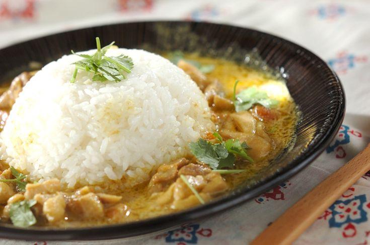 鶏肉をココナッツミルクやナンプラーで炒めることで、ぐっと本格的な味に。チキンココカレー/保田 美幸のレシピ。[エスニック料理/カレー]2013.06.03公開のレシピです。