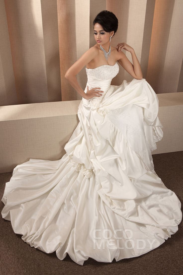 Queenly A-Line Sweetheart Natural Chapel Train Taffeta and Lace Ivory Sleeveless Lace Up-Corset Wedding Dress with Beading Flower and Pick-Ups LB0802#Cocomelody#weddingdresses#bridalgown#