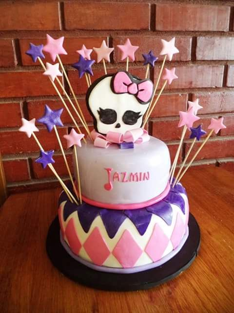 (@VolovanProducto) | Twitter  #Fondant #cake  #instacake #Chile #puq #VolovanProductos #MonsterHigh
