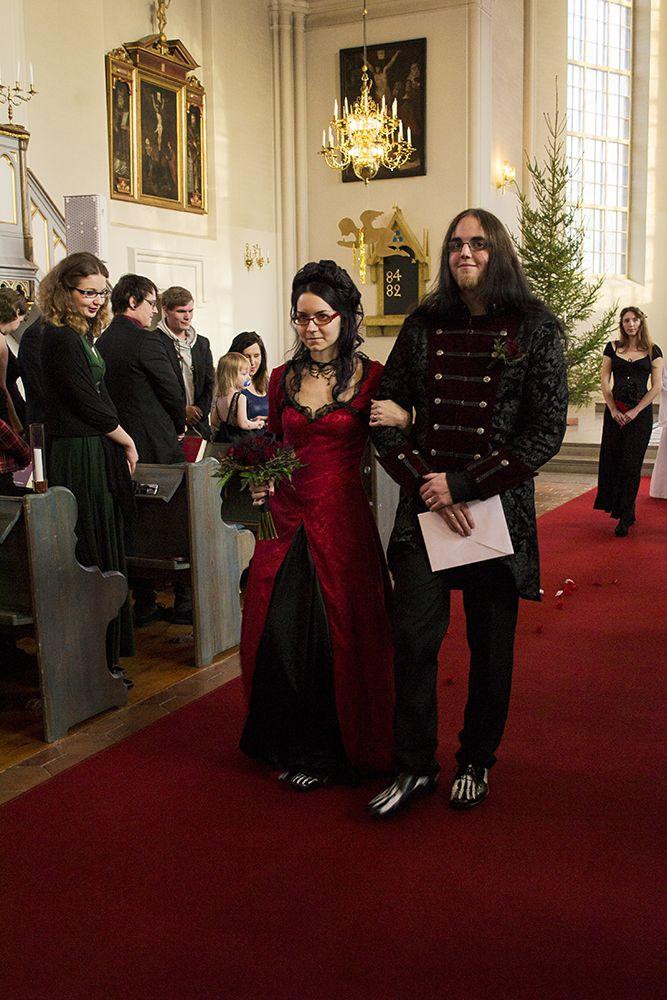 "Sabina & Mattias' ""far longer than forever"" gothic wedding"
