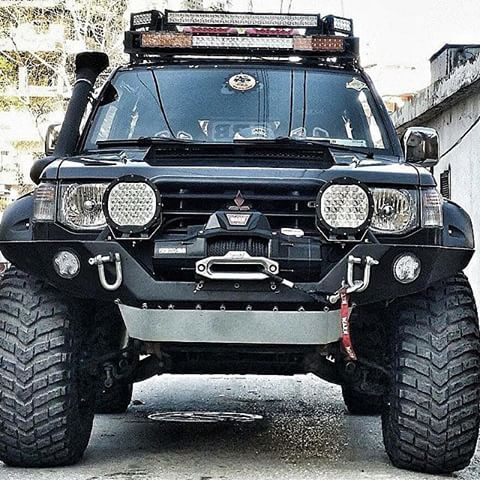 17 best images about pajero on pinterest trucks 4x4 and 20 wheels. Black Bedroom Furniture Sets. Home Design Ideas