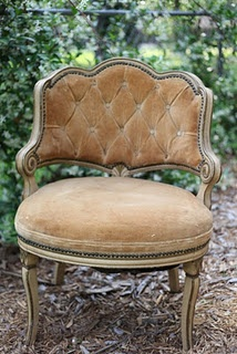<3: Decor, Vintage Chairs, Velvet Chairs, Sweet, Home Interiors, Slippers Chairs, Interiors Design, Antiques Chairs, Old Chairs