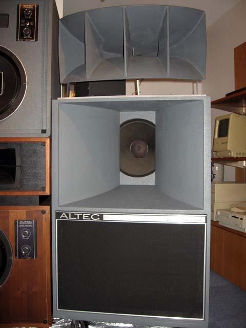 Los altavoces usados en las salas de cine de nuestro pais - Página 2 9407d7f2a739e691dd8b49ca2c228034