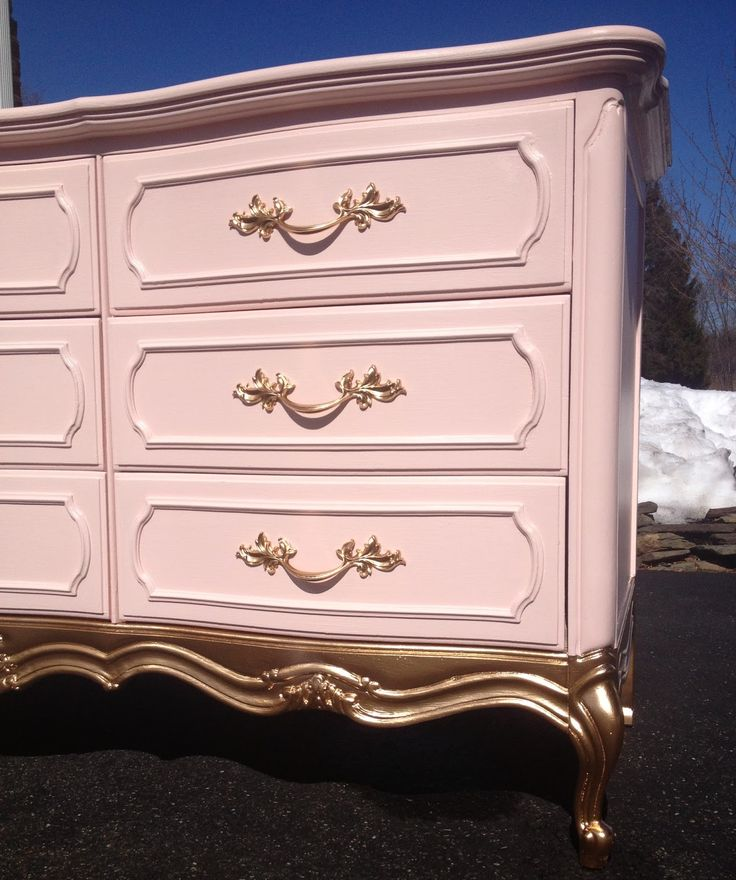 perfectly beautiful things: Painted Nursery Dresser