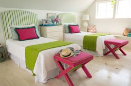 Do your kids share a room? Love this bright and cheery room makeover in Domino today! #sharedbedroom