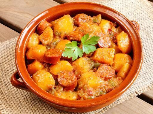 Pommes de terre à la Riojana (recette espagnole) - Recette de cuisine Marmiton : une recette