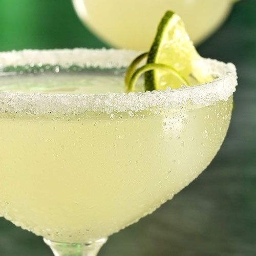 Aperitief Mattias: 150 ml Gin - 300 ml Martini - 450 ml Gini  - citroen + limoen (x)