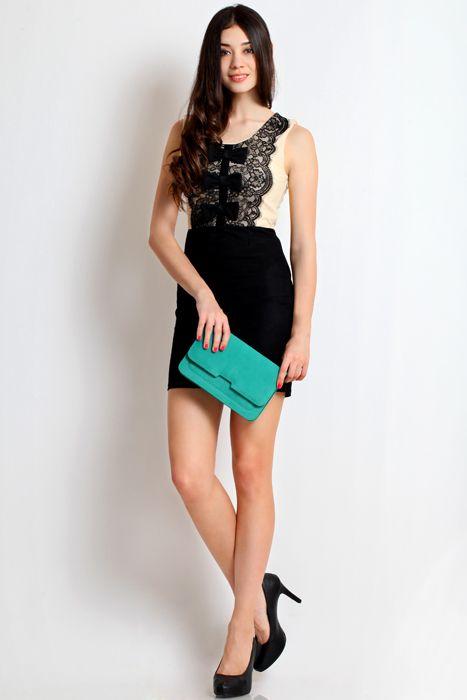 Sweet pea clutch bag #handbag #clutchbag #taspesta #clutchpesta #fauxleather #kulit #suede #fashionable #messengerbag #simple #colors #green