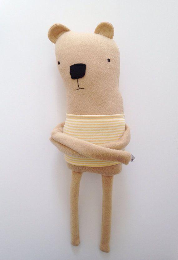 Peluche ours Centre créature à la main de par finkelsteins sur Etsy