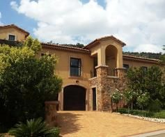 4 Bedroom House for sale in Estate D' Afrique - Hartbeespoort